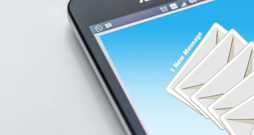 """""""Facebook"""" žinutės versle gali pakeisti el. laiškus"""